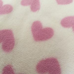 LOVELY HEARTS PINK-coperta pile con cuori