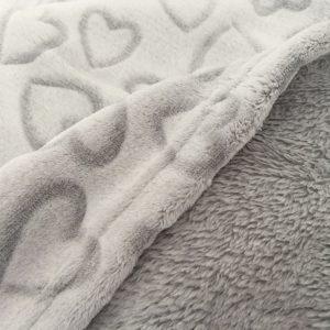 LOVELY HEARTS GREY-coperta pile con cuori